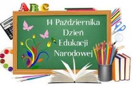 Zielona tablica lekcyjna z napisem 14 października - dzień edukacji narodowej.