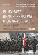 """Zdjęcie okładki książki, pt. """"Podstawy bezpieczeństwa międzynarodowego"""" - żołnierze defilujący w szyku marszowym"""