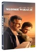 Okładka płyty DVD - dwaj mężczyźni - młodszy i starszy spoglądają przed siebie stojąc na tarasie nadmorskiej posiadłości