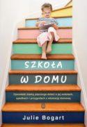 Miniatura okładki książki: mała dziewczynka czyta książkę siedząc na schodach domu