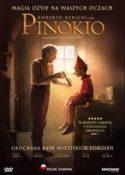 """Zdjęcie okładki filmu """"Pinokio"""" - starszy mężczyzna trzymający lusterko w którym przegląda się mały drewniany chłopiec."""