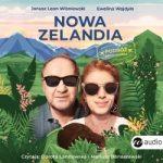 """Zdjęcie okładki audiobooka, pt."""" Nowa Zelandia : podróż przedślubna"""" - para narzeczonych na tle krajobrazu Nowej Zelandii."""