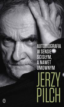 Zdjęcie czarno-białe Jerzego Pilcha opierającego głowę na dłoni.